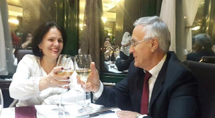 Jakup Krasniqi me dedikim emocionues nga burgu për ditëlindjen e gruas: Ti festo e gëzo me fëmijët tanë që bashkë i rritem…