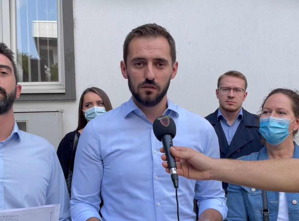 Pajtim Thaçi: Për çka i ndanë Teuta Arifi 56.000 euro, për ahengje apo fushatë?